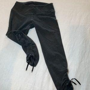 Lululemon gray yoga Capri leggings